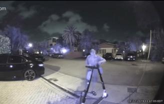 Arrestan a un hombre que cortaba los frenos de los patinetes eléctricos en Florida