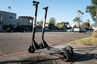 Tres grandes ventajas y tres grandes inconvenientes al comprar un patinete eléctrico